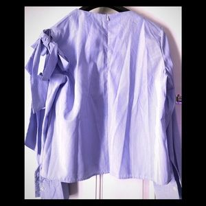Tops - Blue striped shirt with bows on the sleeves